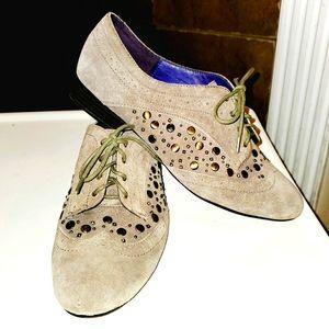 LIBBY EDELMAN Raina Studded Rivet Oxford Tie Shoes